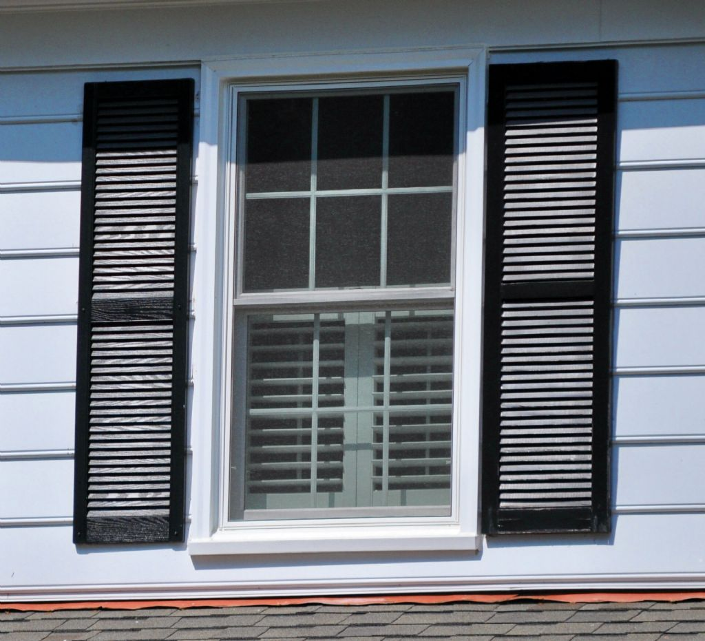 Project detail marvin infinity double hung windows for Marvin screens